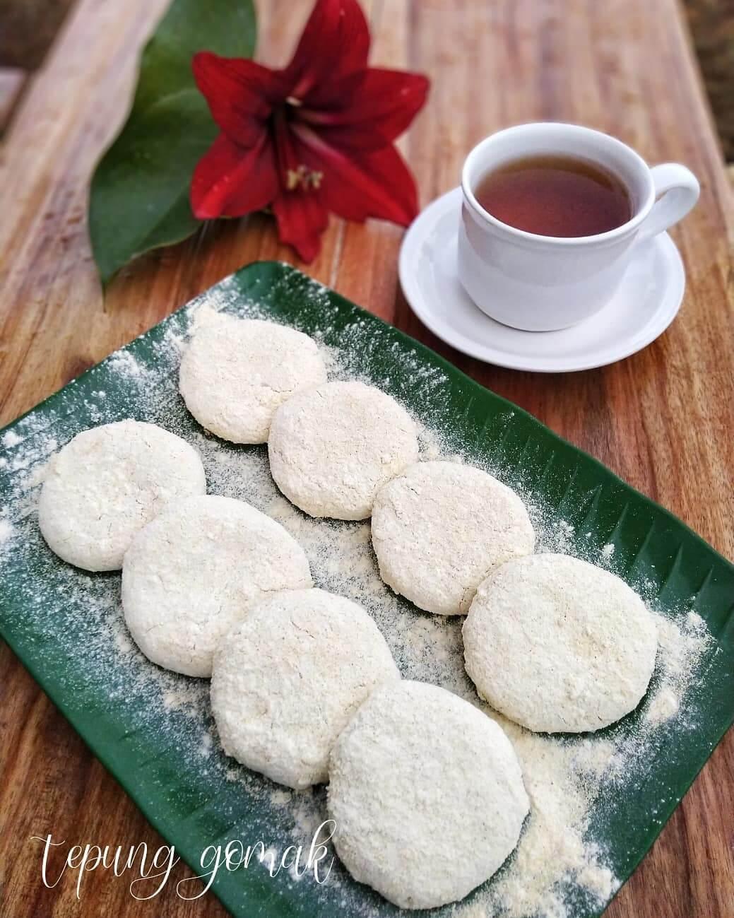 tepung gomak khas tanjung pinang