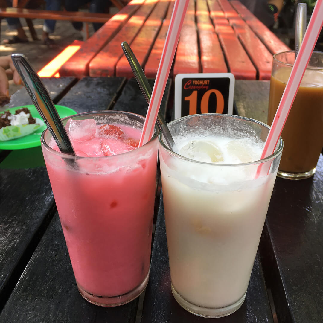 yoghurt cisangkuy minuman khas bandung