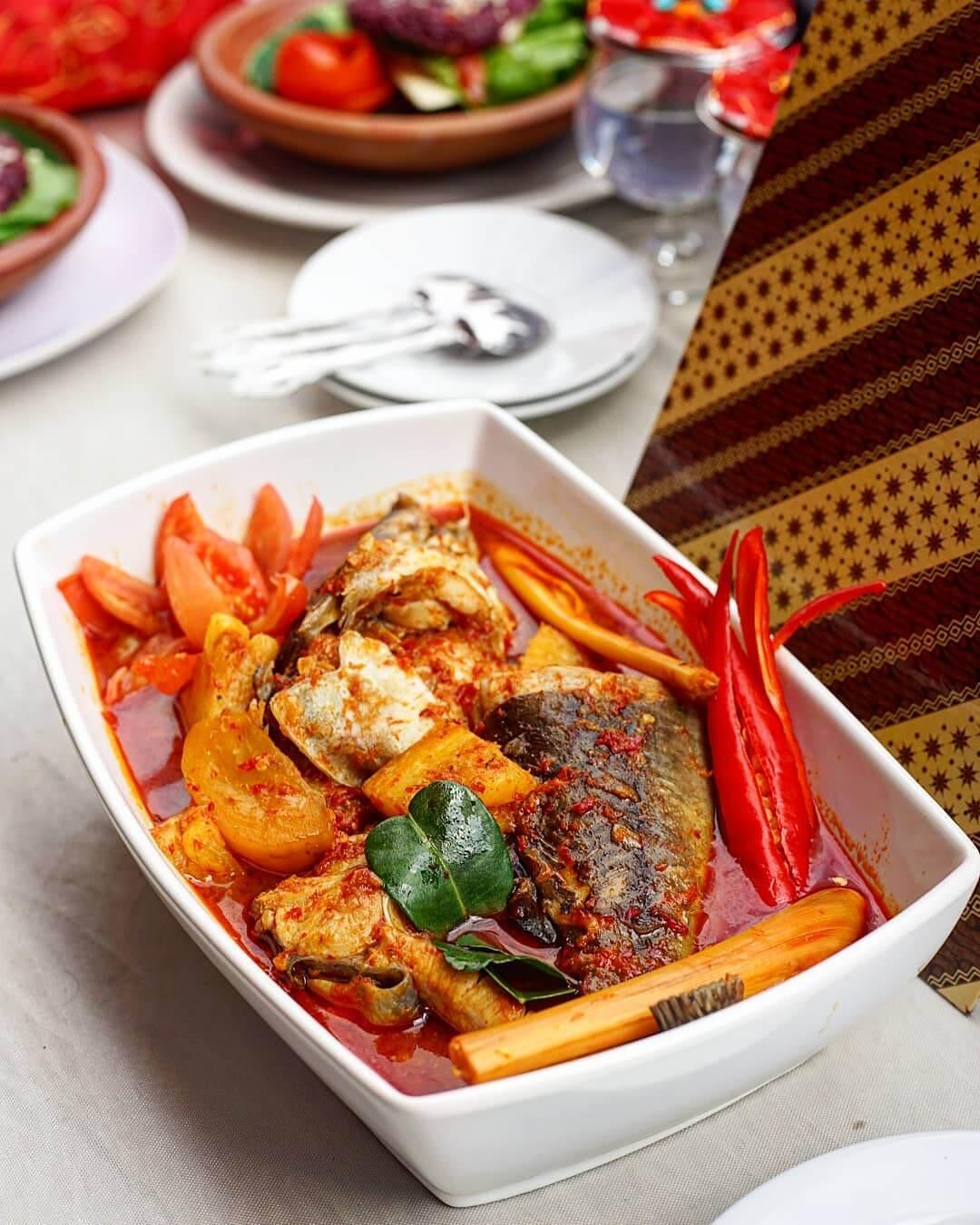kuliner asam pedas ikan baung riau