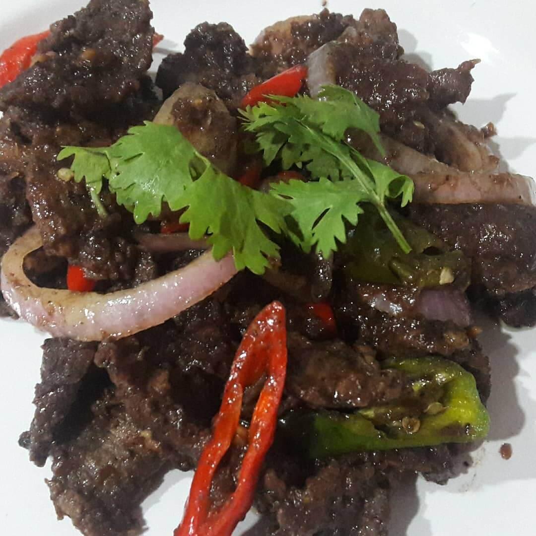 daging masak hitam khas jambi