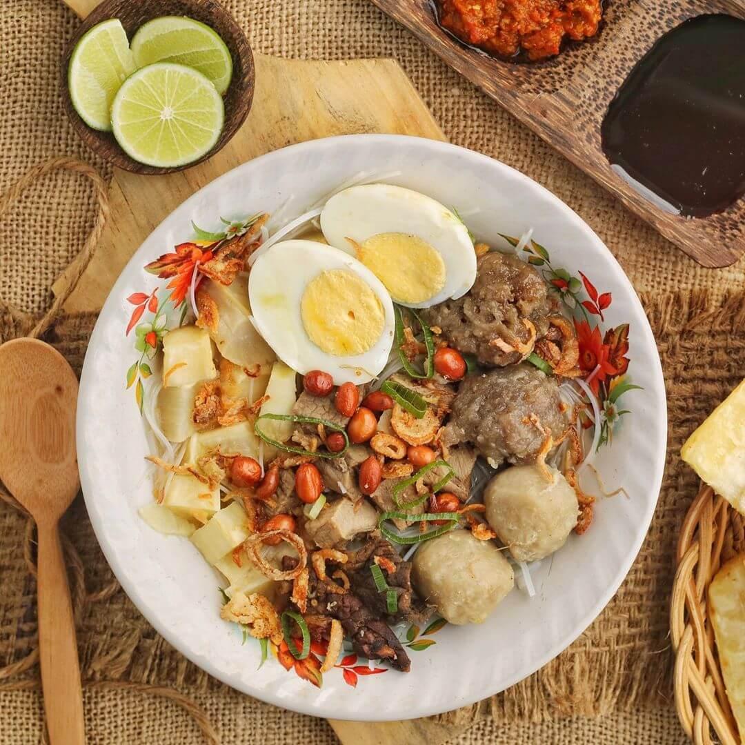 25 Makanan Khas Makassar Dan Rekomendasi Tempat Mencicipinya