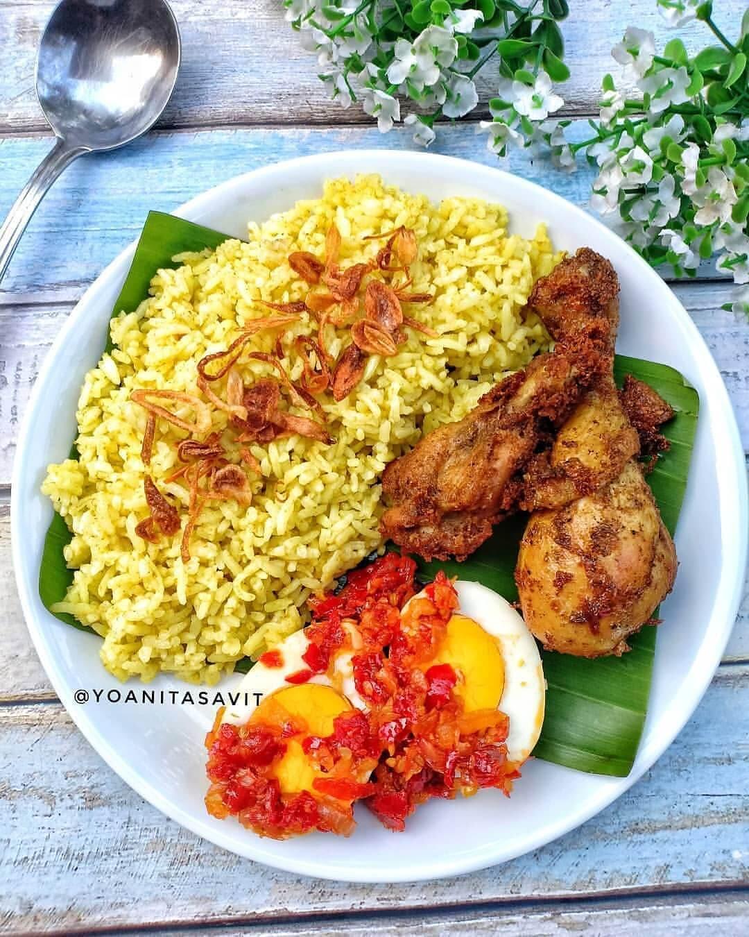 nasi kuning khas banjar