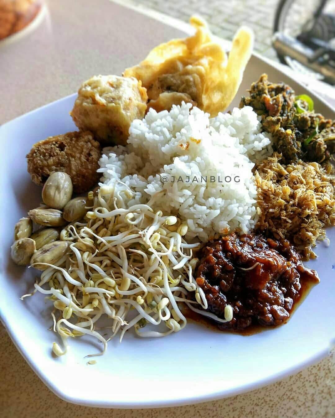nasi kasreng makanan khas kuningan